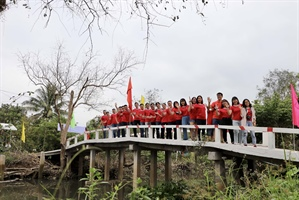 In Vietnam, the Bridge of Kindness sees students to school safely